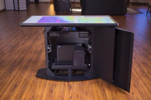 Первый в мире «умный» стол с разрешением 4К