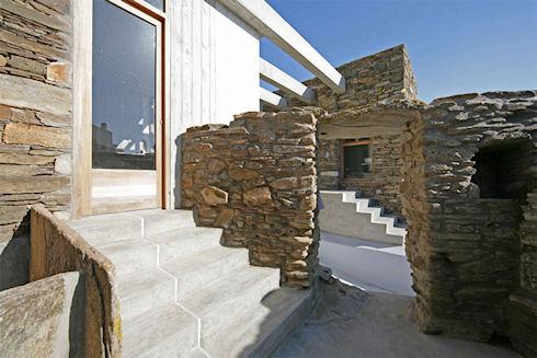 Что лучше: купить или построить дом в Греции?