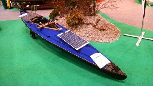 Представлена электрическая байдарка на солнечных батареях