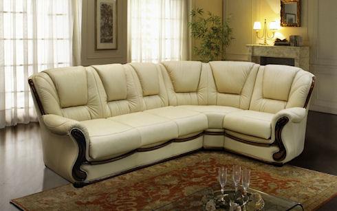 Этот привлекательный кожаный диван