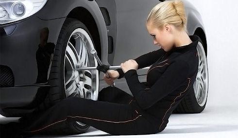 Как быть, если у машины пробило два колеса?