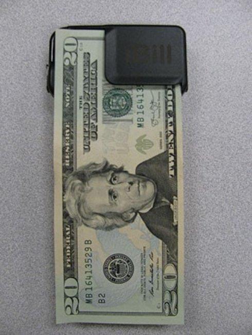 Распознаватель банкнот iBill поможет незрячим людям