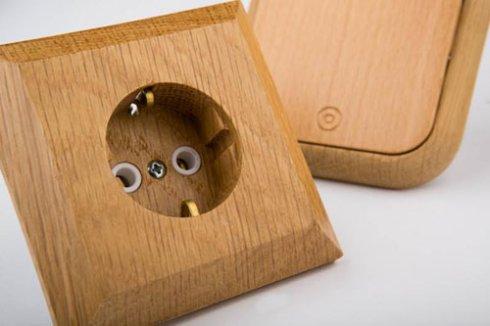 Разработаны экологические розетки и выключатели из натурального дерева