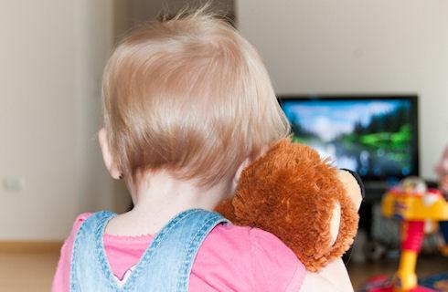 Как отнять ребенка от телевизора