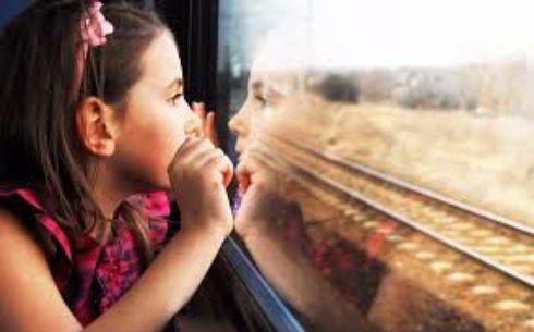 Ребенок в поезде: чем его занять?