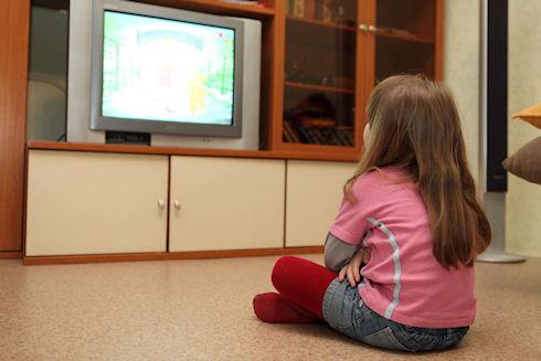 Какую роль в развитии ребенка должен играть телевизор?