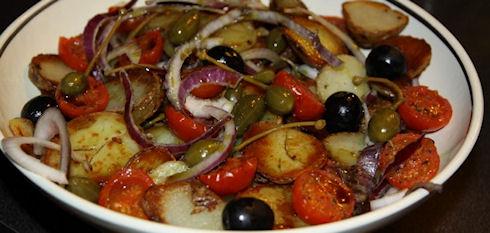 Салат с сушеными помидорами и семечками