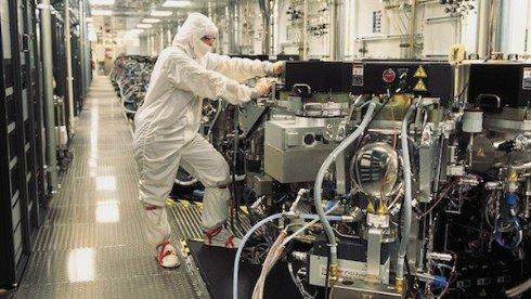 Samsung займётся производством чипов для Apple