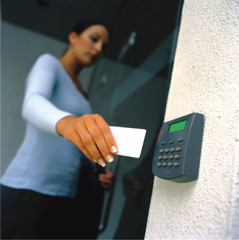 Сенсорные датчики и каналы связи в охранных сигнализациях