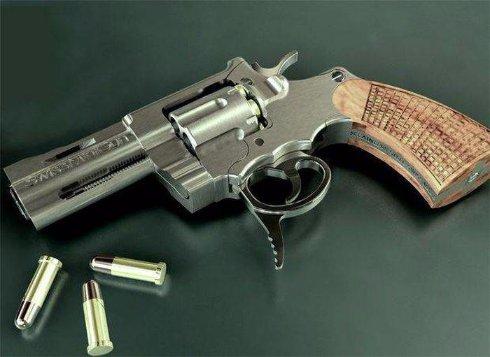 Швейцарцы представили миниатюрный револьвер