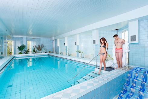 Что следует учитывать, собираясь в бассейн?