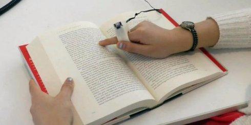Создано устройство, благодаря которому слепые люди смогут читать