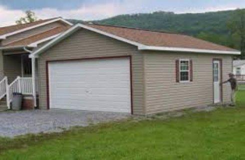 Стройка гаража с помощью автокрана