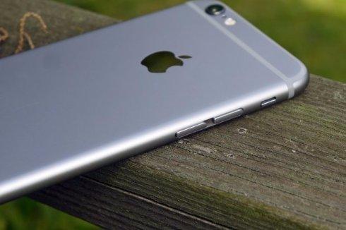 Таможенники конфисковали нелегальную партию iPhone 6