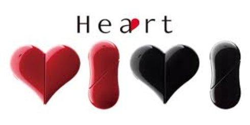 Оригинальная новинка от японцев - мобильный телефон в форме сердца