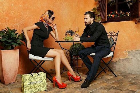 Как украсить туфли на каблуках и превратить их в вечерние