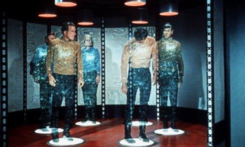 Ученые: путешествия во времени, телепортация и плащ-невидимка ждут нас к 2100 году