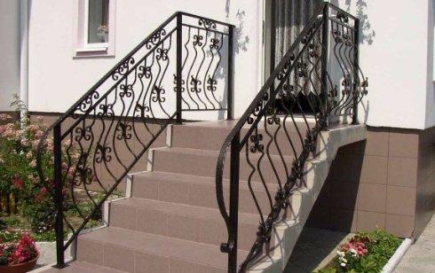 Уличная лестница и ее ремонт