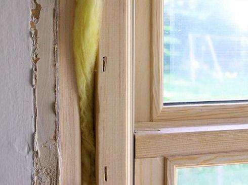 Как утеплить деревянные окна перед зимой?