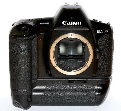 В 2015 состоится релиз зеркальной камеры с рекордным разрешением от Canon