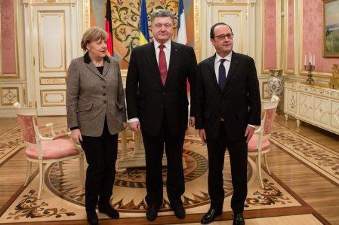 В АП рассказали подробности переговоров Порошенко, Меркель и Олланда