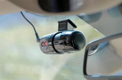 Видеорегистратор поможет при ДТП защитить вас