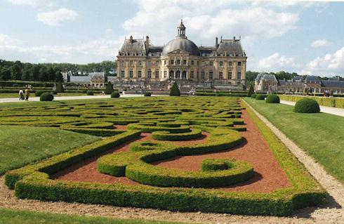 Роскошный замок Во-ле-Виконт во Франции