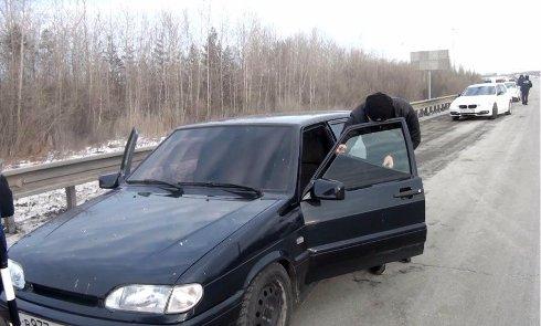 Водителей начали сажать под арест за левую тонировку