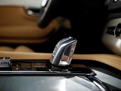 Презентация XC90 T8 — экологичного гибридного внедорожника от Volvo