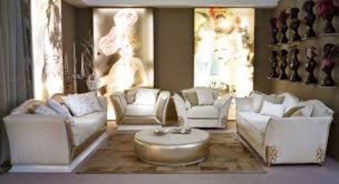 Выбор дивана для классической гостиной