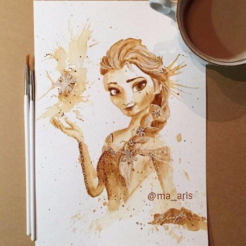 Художница рисует картины, используя кофе вместо красок