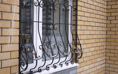 Защита на окна — решётки, ставни