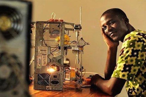Житель Того превратил электронный мусор в 3D-принтер